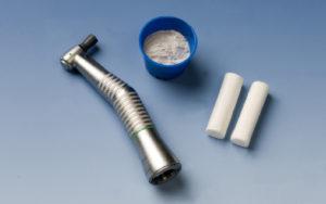 Vi har noe av det beste utstyret for å utføre puss og polering av misfargede tenner.