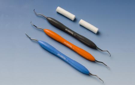 Ofte kan vi fjerne tannstein med håndholdte instrumenter.